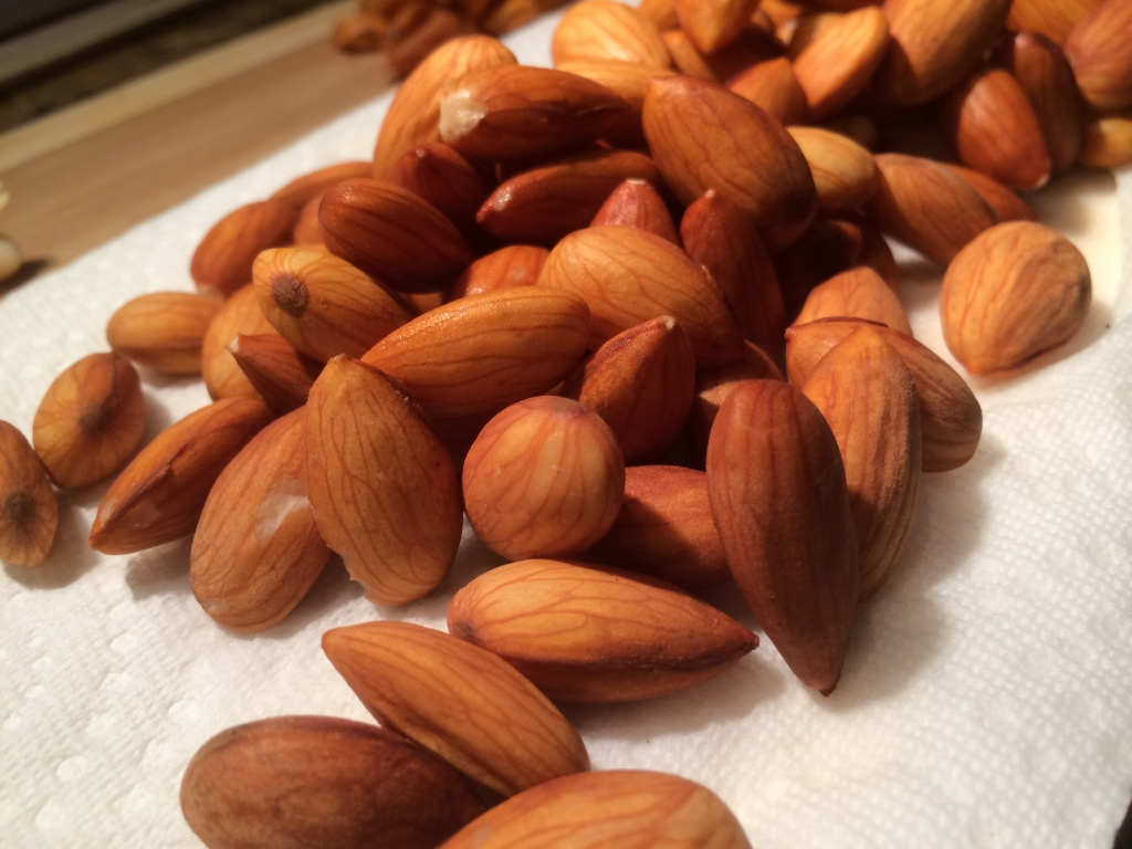 Unpasteurized Raw Organic Almonds